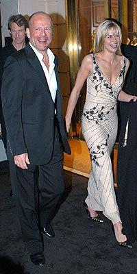 Brooke Burnes birdönem birlikte olduğu Bruce Willis'ten 23 yıl daha genç.